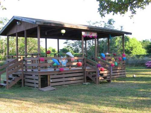 Lytle Texas Picnic Shelter Decorated For Party City Park